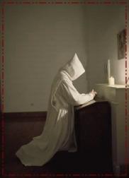 monaco in preghiera cv