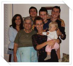 famiglia con nonni cv