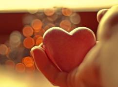 Mano-e-cuore2